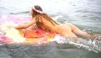 Se Marianne Aulies nakenstunt