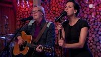 Se Lars Lillo-Stenberg og Simone Eriksrud fremføre «Nagen hud»