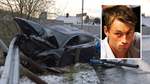 Her står Petter Northugs bil i autovernet etter voldsom krasj