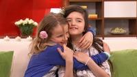 Bestevenninne Sofie (8) er veldig stolt av Angelina
