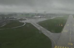 Se innflygningen til Torp lufthavn