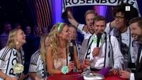 Her blir Roar Strand overrasket av RBK-supportere på direkten
