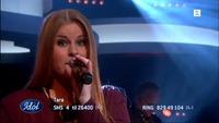 Tara Lill Flåten Nicolaisen synger «Dog Days Are Over» i Idol-semifinalen