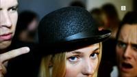 Kollektivet: Hvorfor har du på deg hatt?!
