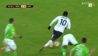 Her løper Lukaku fra hele Wolfsburg-forsvaret