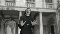 Her synger nonnen «Like a Virgin»
