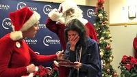 Her gir julenissen mammaen en gave for livet