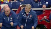 FC Football: Arsenal-benkens synkrone feiring