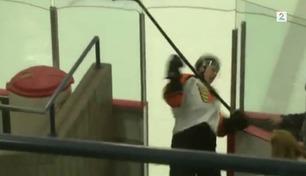Se hockeytabben som gjør ham til latter