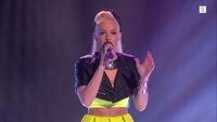 Nicoline Berg Kaasin synger I første The Voice-livesending