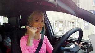 Bli med Silje Norendal på kjøretime