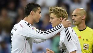 Her byttes Martin Ødegaard inn for Ronaldo
