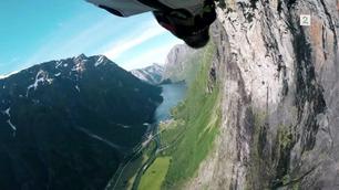 Fra denne fjellsiden har ingen hoppet med wingsuit før nå