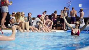OBS: Høy bikinifaktor! Bli med på Slottsfjells elleville poolparty