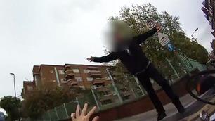 Syklist viste finger til fotgjenger – da klikket det for ham