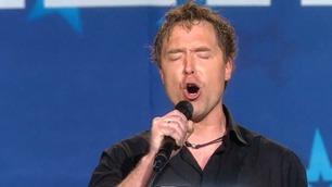 Morten (42) sang for sin syke tvillingbror: – Jeg blir helt knust