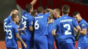 Sensasjonelle Island på full fart mot EM etter seier mot Nederland