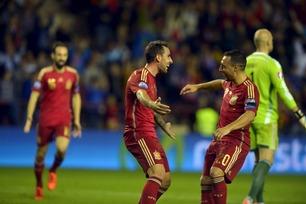 To mål fra Cazorla da Spania sikret EM-plassen