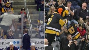 Mann stjal puck fra Trey (8) på NHL-kamp – da tok maskoten ansvar