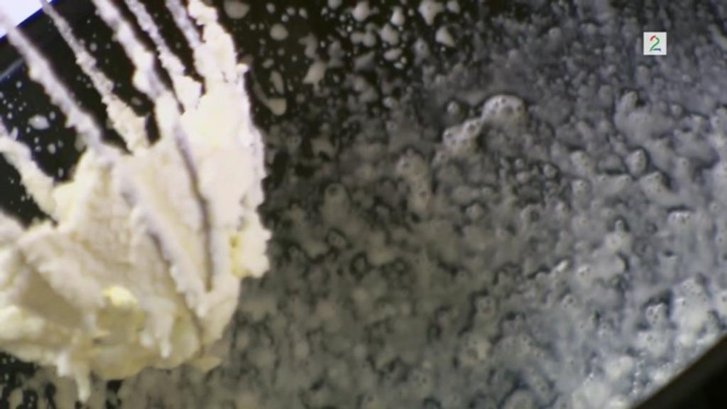 41b106b60 Når fløte har blitt til smør: Slik redder du krem som har blitt ...