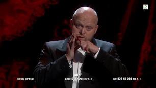 Rune Nordbye spiller på skje på Norske Talenter-semifinalen