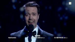 Marius  Grønsdal synger «O Helga Natt» i Norske Talenter-finalen