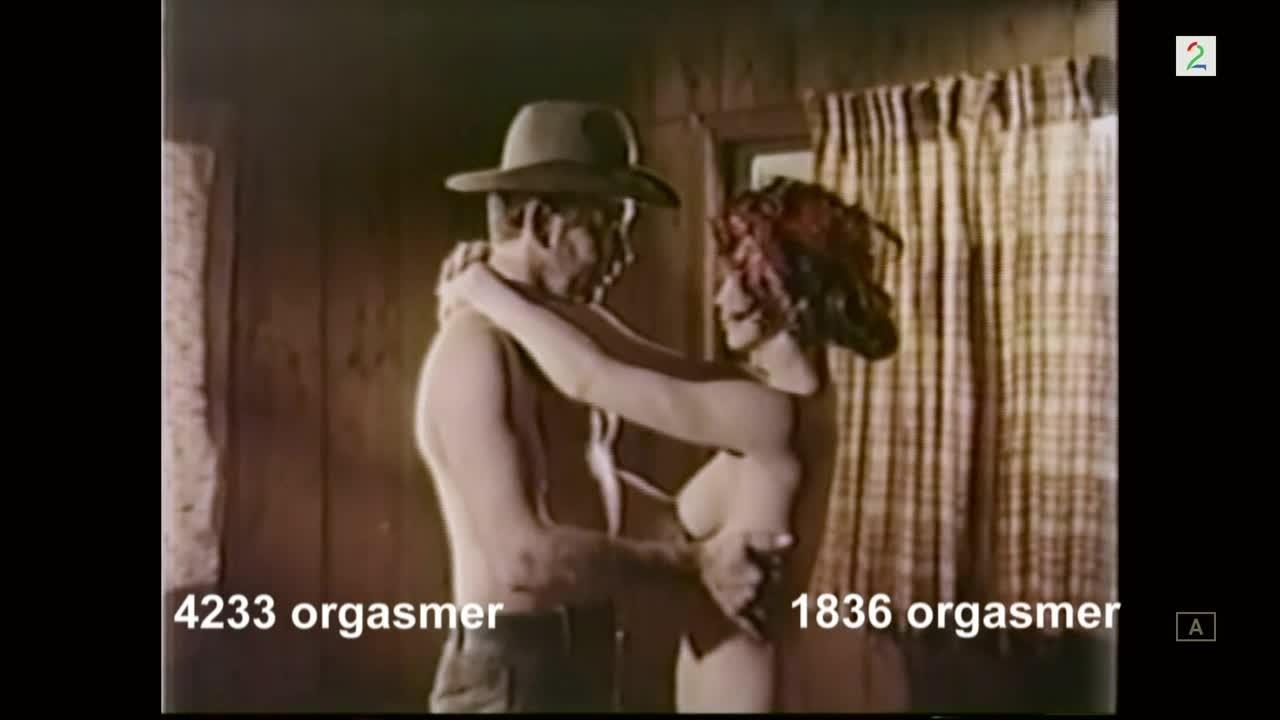 kvinnelig onanert til orgasme