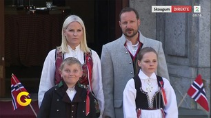 Prins Sverre Magnus (10) klarte ikke å holde ablegøyene for seg selv