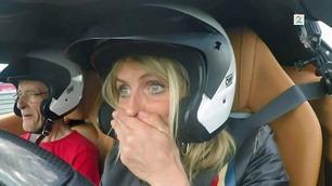 Johaug i Ferrari: – Å, fy fader! Så du speedometeret?
