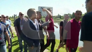 Irritert Ronaldo kastet reporters mikrofon i vannet