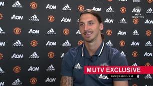 Se Zlatans første intervju som United-spiller