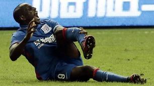 Se det grufulle beinbruddet som truer Demba Bas karriere