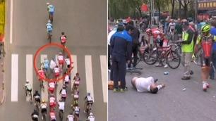 Her kaster 19-åringen seg inn i sykkelfeltet som dundrer mot mål
