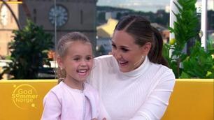 Michelle styrer showet når hun er med mamma på TV
