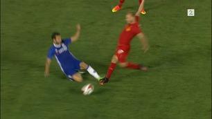 Se Fabregas' skrekktakling på Liverpools nyervervelse.