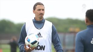 Zlatan Ibrahimovic på sin første Manchester United-trening