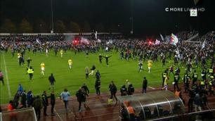 Fansen stormet banen da Malmö ble seriemester
