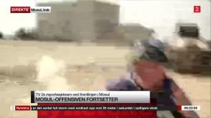 Her løper TV 2s utenriksreporter i dekning når han blir beskutt i Mosul