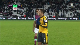 Sanchez med utsøkt hat trick da Arsenal knuste West Ham