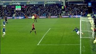 Zlatans lobb gikk i tverrligger, stolpe og i mål