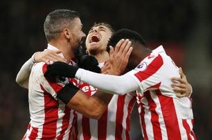 Sammendrag: Stoke - Burnley 2-0
