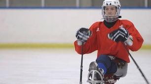 Loyd (29) mistet både bestevennen og benet i en ulykke – nå er han landslagskaptein