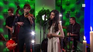 Se Angelina og Alexanders nydelige juleduett