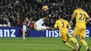 Magisk Carroll-volley da West Ham lekte med Crystal Palace