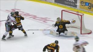 Her avgjør den liggende køllen (!) hockeymatchen