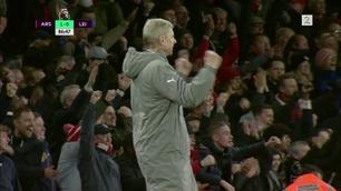 Wenger og Arsenal reddet av selvmål på glissent Emirates