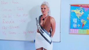 Miss Paradise fikk språkproblemer foran barna: – Everyone start licking your ass