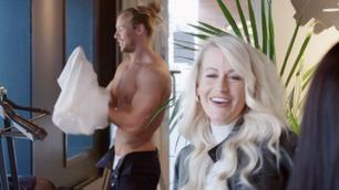 Slik reagerer kjendisbloggeren når Ylven kler av seg