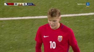 Ødegaard skyter like over mål