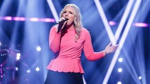 Hele salen reiste seg under Andreas opptreden i superfinalen av The Voice